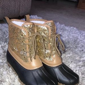 Rue21 Gold Sparkle Snow Boots